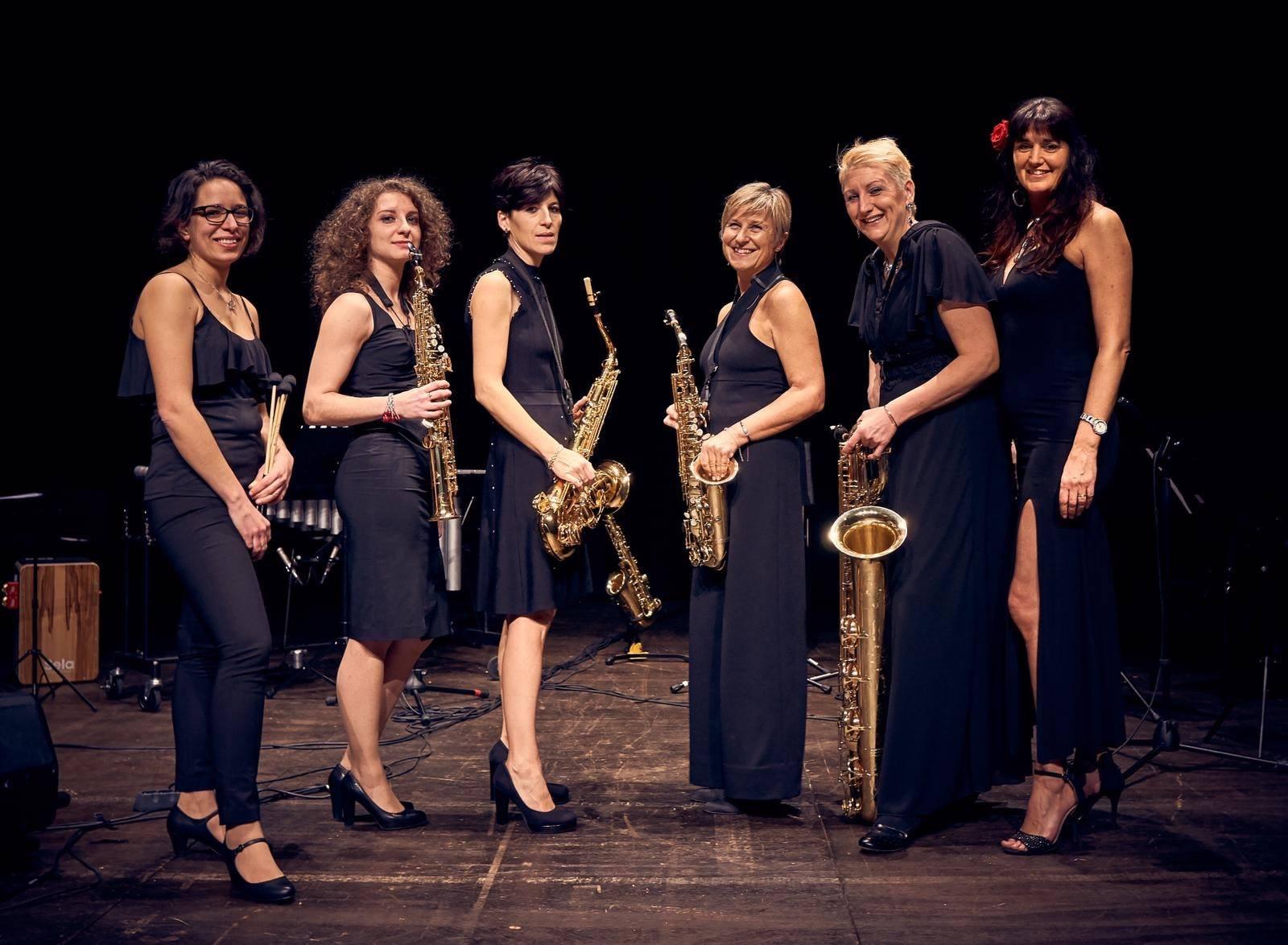 Blackrosax in concert